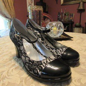 Rampage Shoes - Black and Silver Floral Lace Spectator Heels -7.5M